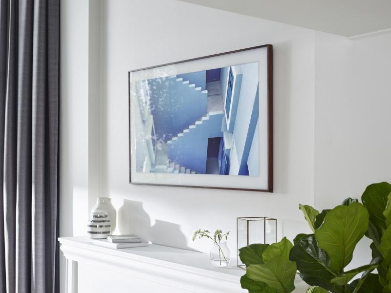 Samsung Frame Fernseher In Einem Bilderrahmen